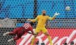 En récupérant de la tête une passe magistrale de Cristiano Ronaldo, Varela a permis au Portugal d'éviter provisoirement l'élimination en toute fin de match. Le gardien américain Tim Howard était impuissant sur la séquence.