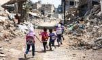 La puissance de feu largement supérieure du régime est contrebalancée par le réservoir de main-d'œuvre en apparence inépuisable de l'insurrection. Cette impasse force les Syriens à vivre au milieu d'un conflit toujours sans issue.