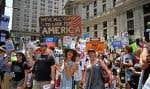 Le centre-ville de Philadelphie a été investi dès dimanche par des milliers de manifestants.