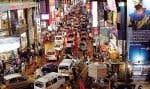 Une rue achalandée de Bangalore, dans l'État du Karnataka, cœur techno de l'Inde.