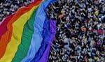 Les organisateurs du défilé brésilien tablaient sur une affluence record de plus de trois millions de participants sur l'Avenida Paulista, artère emblématique de São Paulo.