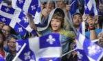 Dans la foule, le bleu et le fleurdelisé étaient à l'honneur.