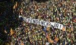 Des centaines de milliers de Catalans ont manifesté dans les rues de Barcelone, lundi.