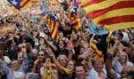 Des hourras, des applaudissements et le cri «indépendance» en catalan se sont élevés de la foule des électeurs indépendantistes.