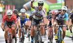 Le cycliste Peter Sagan dépasse ses adversaires au BinckBank Tour en août dernier.