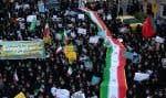 Des dizaines de milliers de partisans du guide ont défilé dans plusieurs villes d'Iran. Une façon symbolique de montrer que la rue lui appartient.