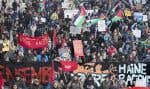 La jeunesse est pour sa part interpellée par les luttes féministes et antiracistes, souligne l'auteur. Sur la photo, des manifestants ont pris d'assaut les rues de Montréal, en novembre dernier, pour contester le racisme.