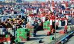 Les importations chinoises sont visées par des taxes américaines. Ci-dessus, le port de Qingdao, en Chine.