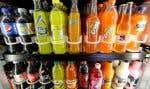 Les boissons sucrées sont essentiellement composées de beaucoup de sucre, d'additifs et d'eau.