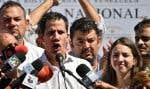 Juan Guaido, 35ans, a été arrêté par des hommes du Service bolivarien de renseignement national, alors qu'il circulait sur l'autoroute pour se rendre à une réunion publique à Caraballeda.