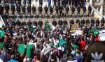 Une manifestation contre la candidature de Bouteflika le 1ermars, à Oran