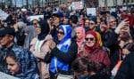 Des gens manifestant contre le projet de loi 21, le 7 avril dernier, à Montréal