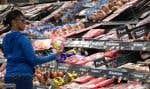 Les principaux clients de Walmart vivant d'un chèque de paie à l'autre seraient particulièrement sensibles à toute augmentation de prix.