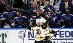 Les Bruins de Boston ont gâché la fête à Saint Louis, dimanche soir, privant les partisans des Blues de voir leur équipe soulever le précieux trophée au 6e match.