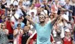 Rafael Nadal a scellé l'issue de la rencontre en 1 heure et 10 minutes, avant de lever les bras vers le ciel, une tradition qu'il répète à chacune de ses victoires.