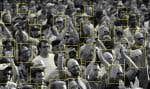 Selon des organisateurs d'événements, la reconnaissance faciale offrirait un accès rapide aux spectacles en éliminant le besoin de présenter un billet d'entrée papier ou numérique. Cette technologie, qui permet la lecture des visages au détail près, renforcerait également les mesures de sécurité et réduirait le risque de fraude.