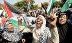 Des Palestiniennes ont manifesté leur appui hier à Mahmoud Abbas, à Gaza.