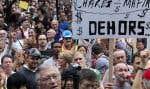 Les manifestants ont réclamé une enquête publique sur l'industrie de la construction.