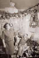 Sans titre (23 d&eacute;cembre 1982) de Donigan Cumming, tir&eacute; de la s&eacute;rie &laquo;La R&eacute;alit&eacute; et le dessein dans la photographie documentaire&raquo;, partie 1, 1986, photographie noir et blanc.<br />