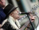 Johnny Winter a produit le bluesman Muddy Waters.