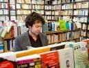 Comme si lire un bon roman n'avait de sens qu'en rite d'apprentissage, avant de s'attaquer aux besognes sérieuses de la vraie vie.