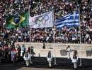 C'est au cours d'une cérémonie au décorum ancien que la flamme olympique a été transmise à la délégation brésilienne, mercredi à Athènes, à 100 jours des Jeux Olympiques de Rio de Janeiro.