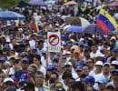Des manifestations de masse ont eu lieu la veille de l'annonce de Maduro.