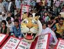 Des milliers de personnes se sont donné rendez-vous dans le centre de Dacca pour protester contre le projet de centrale à charbon.
