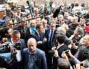 Dès son arrivée au palais de l'Élysée, les relations du nouveau président et de son gouvernement avec la presse se sont crispées.